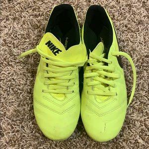 Nike kids soccer cleats size 6.5